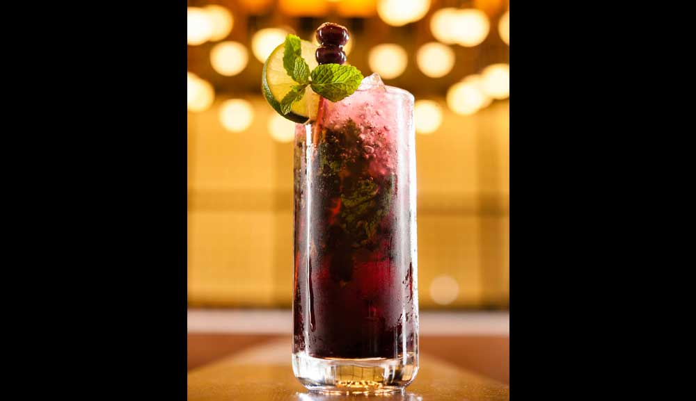 Mojito Noir 鸡尾酒尽在 db Bistro and Oyster Bar