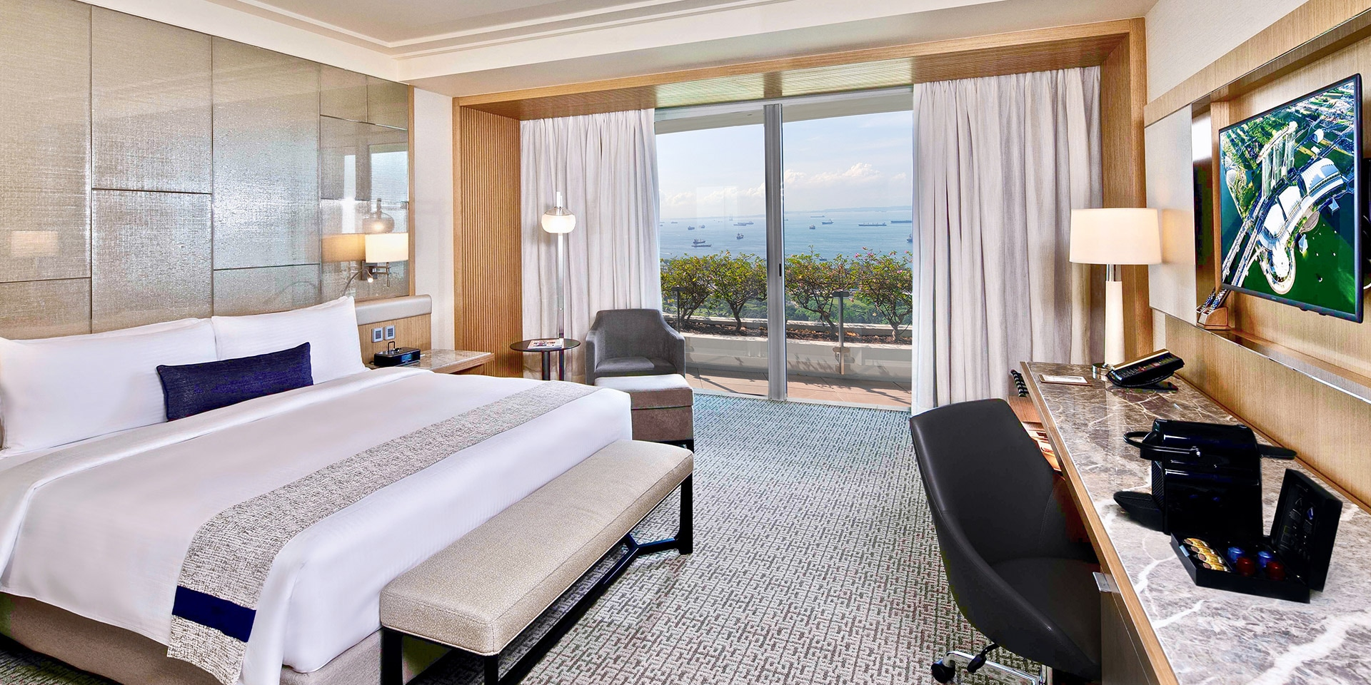 Club Room at Marina Bay Sands with King Bed and City View