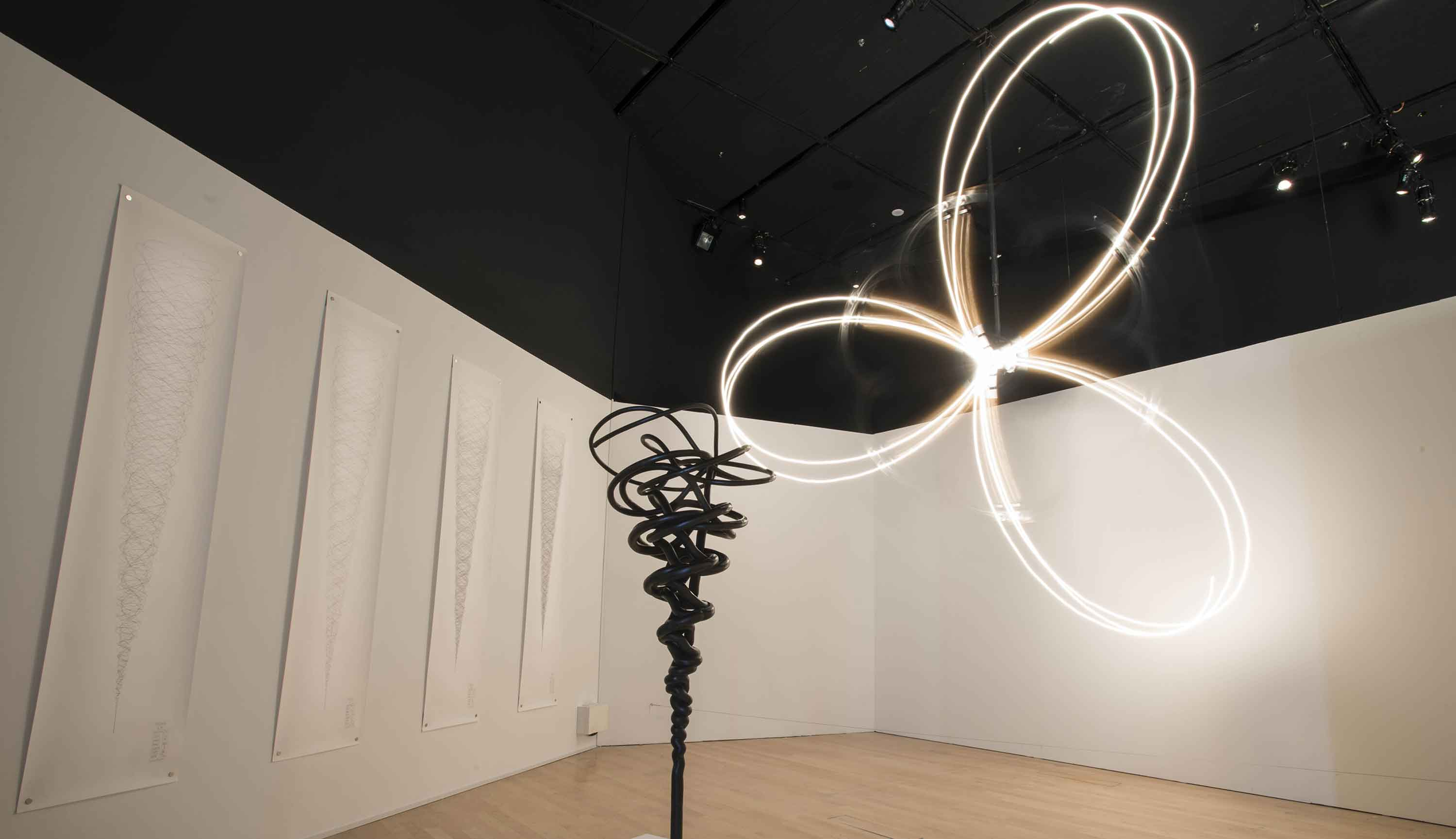 2011 年 Conrad Shawcross《Projections of the Perfect Third》画廊图片